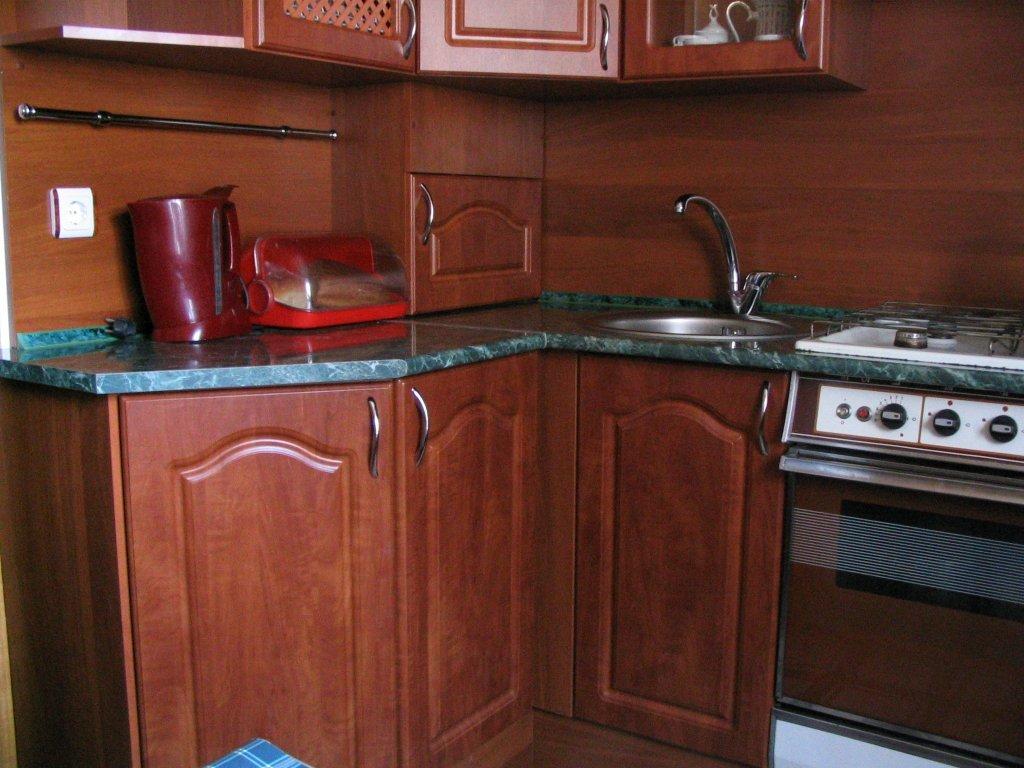 Кухня угловая МДФ с карнизом на заказ