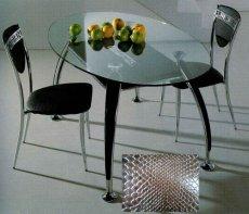 Стол и стулья для кухни
